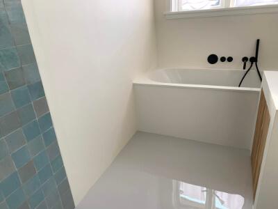 Gietvloer in uw badkamer, ook dat is mogelijk